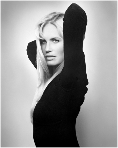 daryl-hannah-vogue.Daryl Hannah – Vogue – Photo Michael Comte 1992