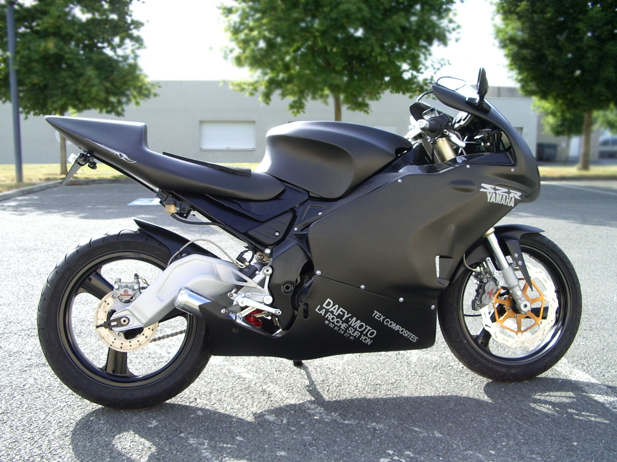 YAMAHA SZR 660 SUPERSINGLE NERO
