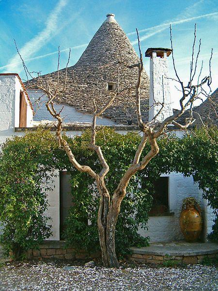 Trullo Sovrano Alberobello due piani