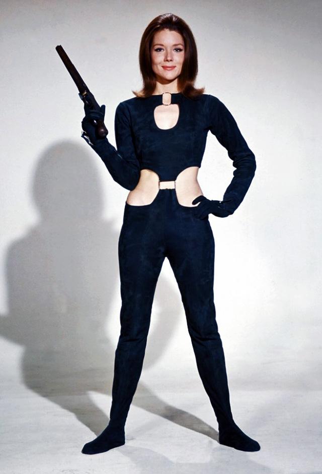 Emma_Peel&Gun