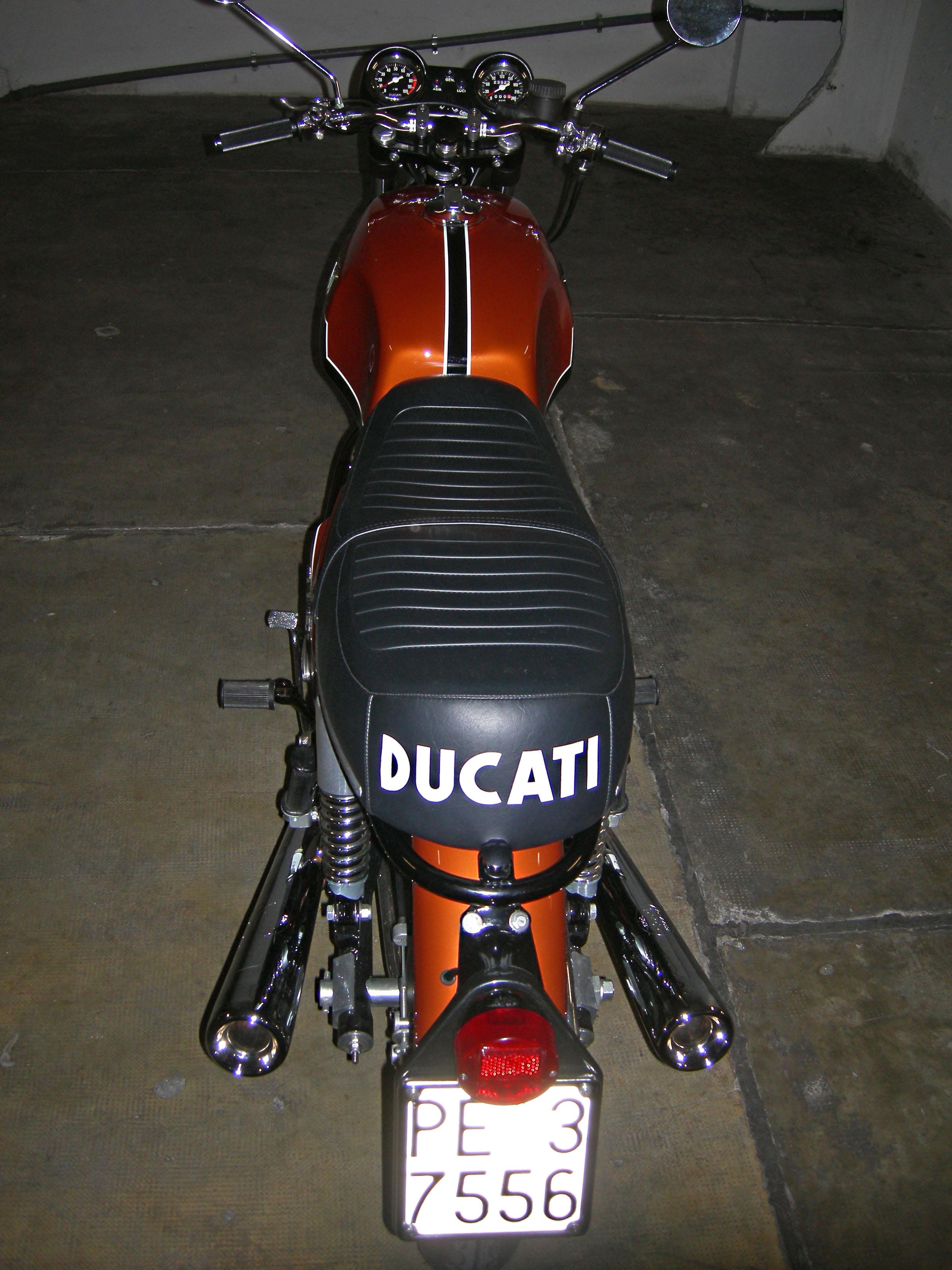 Ducati 750 GT - 3