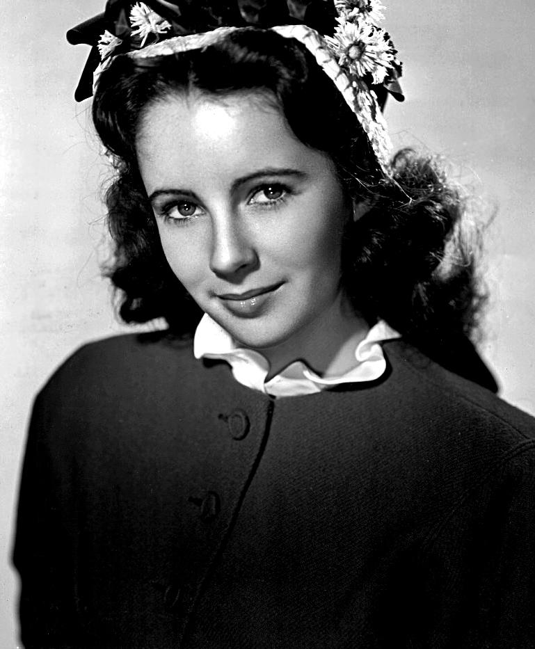 Elizabeth Taylor 1945 young