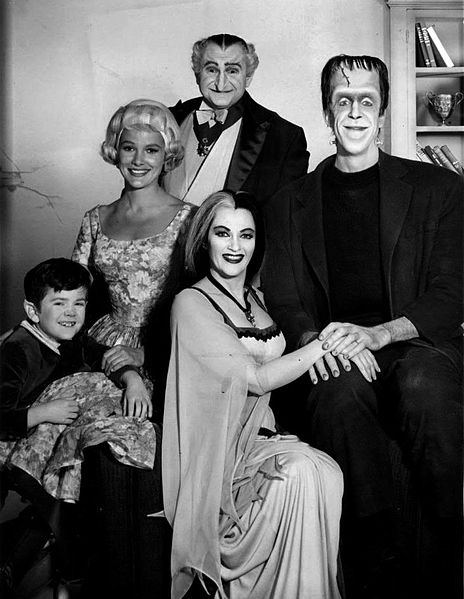 The-Munsters_cast_1964