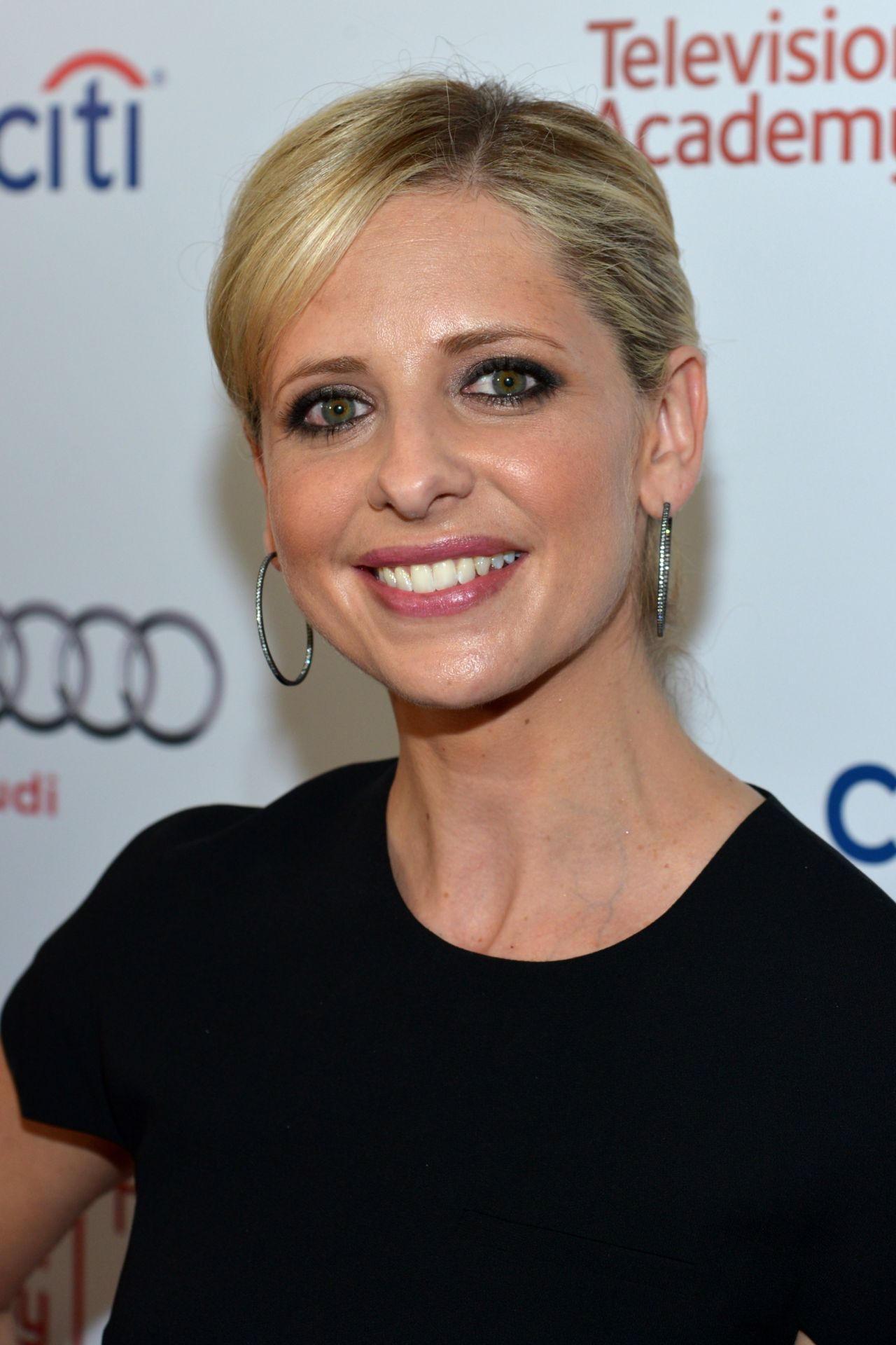 sarah-michelle-gellar-television-academy-hall-of-fame-march-2014_2