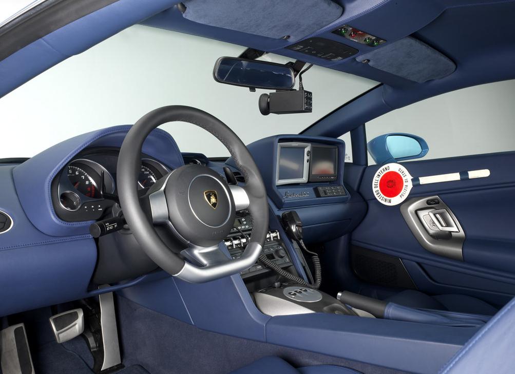 Lamborghini_gallardo_polizia_interni