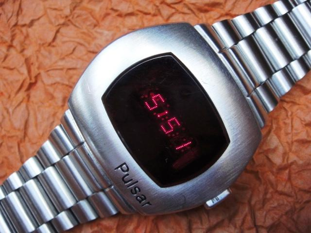 Pulsar_P1_first_led_watch_LED