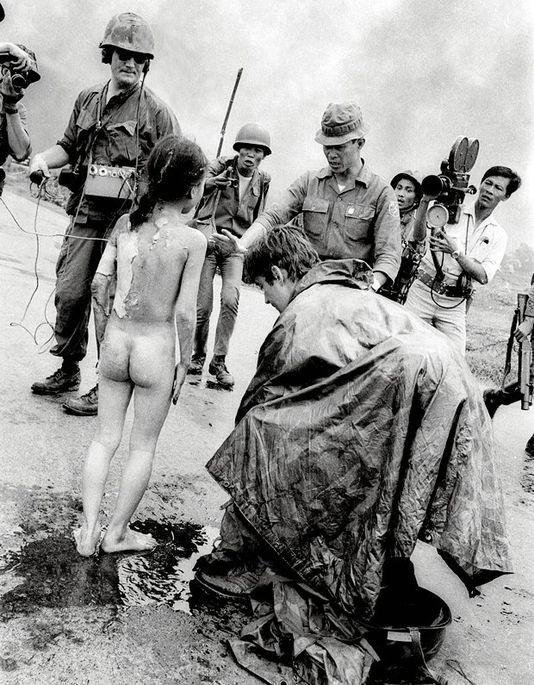 guerra_vietnam_1972_bambina_bruciata