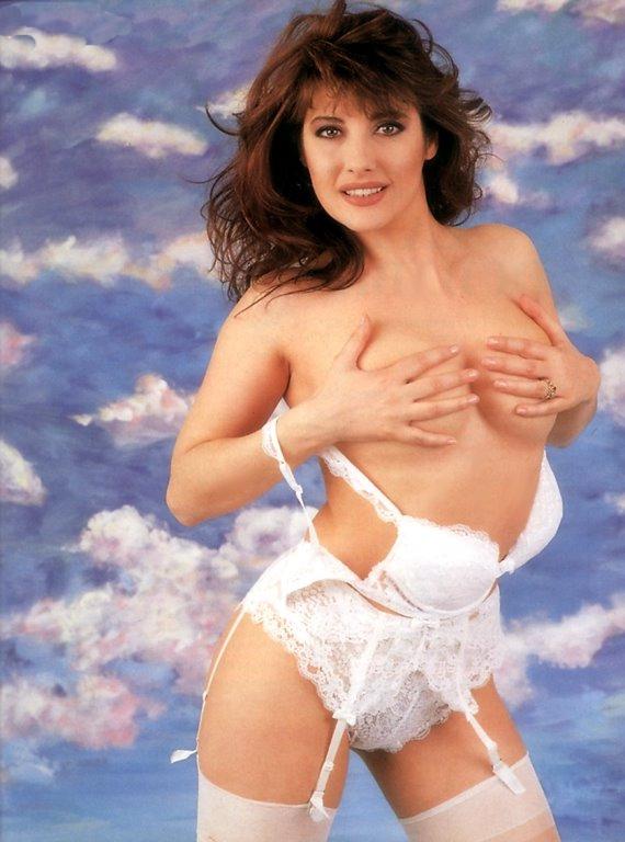Linda_Lorenzi_1992_seno