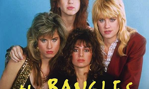 WALK LIKE AN EGYPTIAN  – The Bangles – (1986)