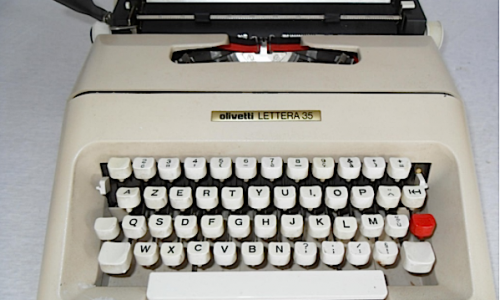 Macchina da scrivere OLIVETTI LETTERA 35 – (1972)