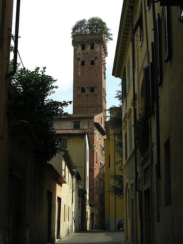 Torre_guinigi_01