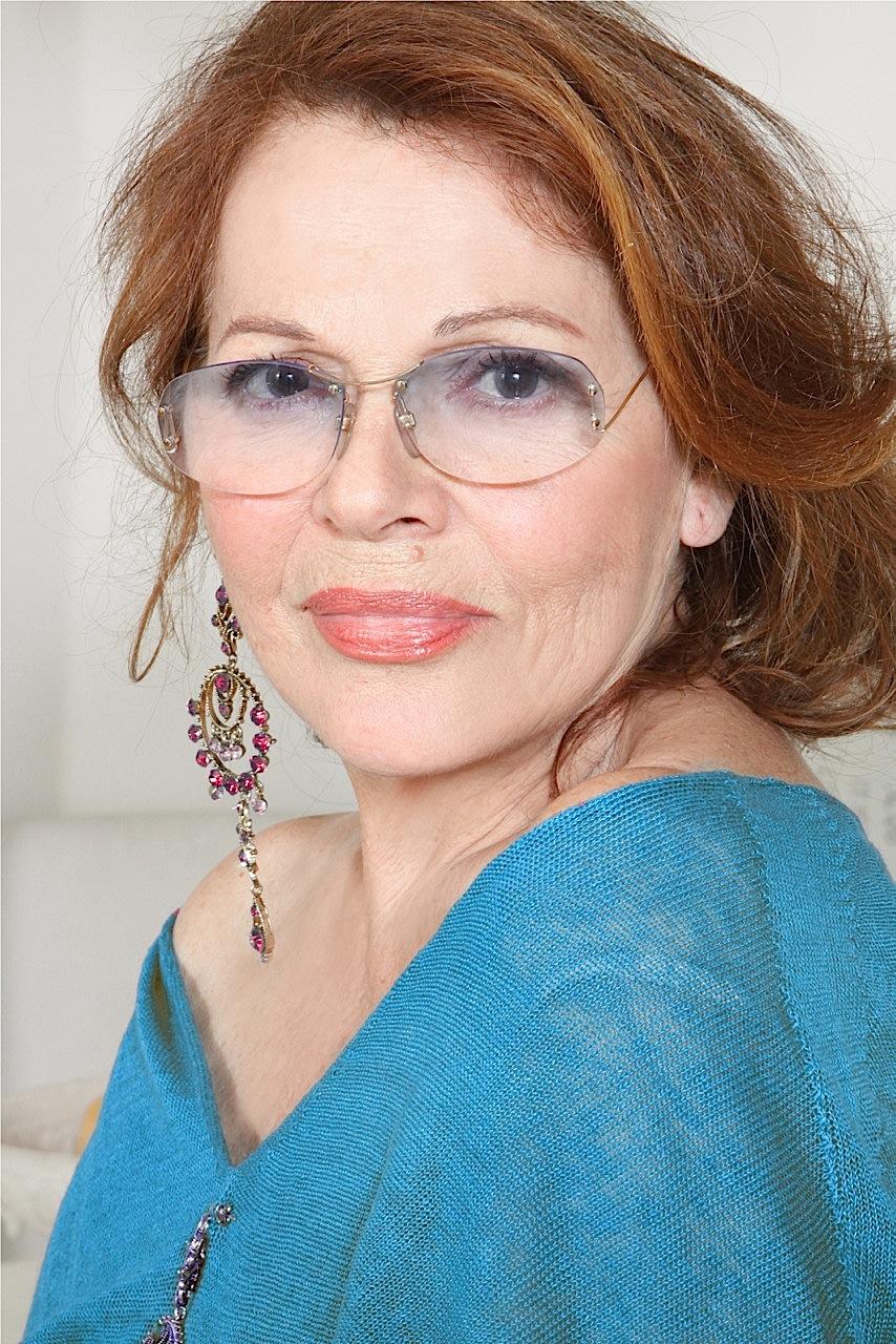 Valeria-Fabrizi-OGGI