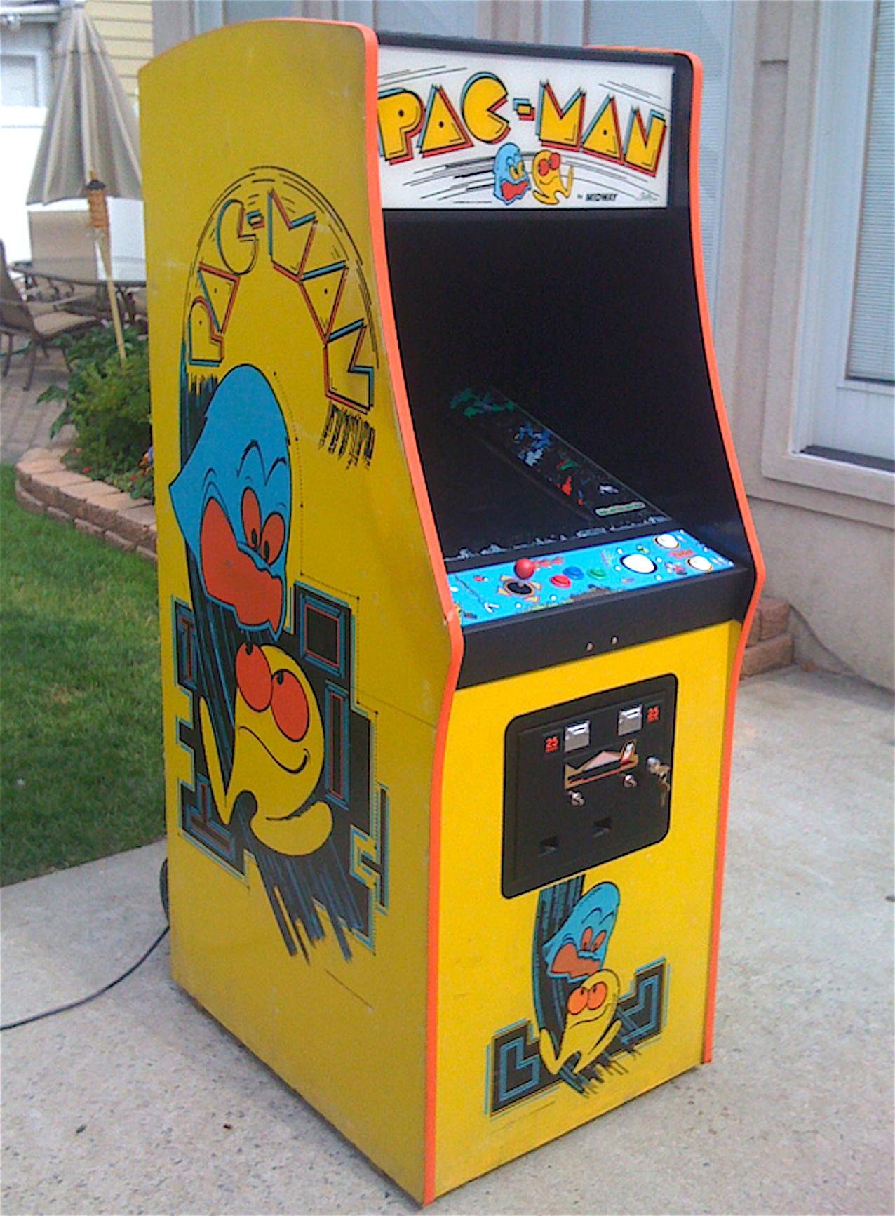 pac_man_arcade_cabina_sala_giochi_