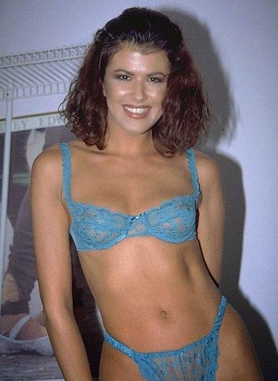 AbsoluGirl  Elodie plus belle la vie nue  Video sexy