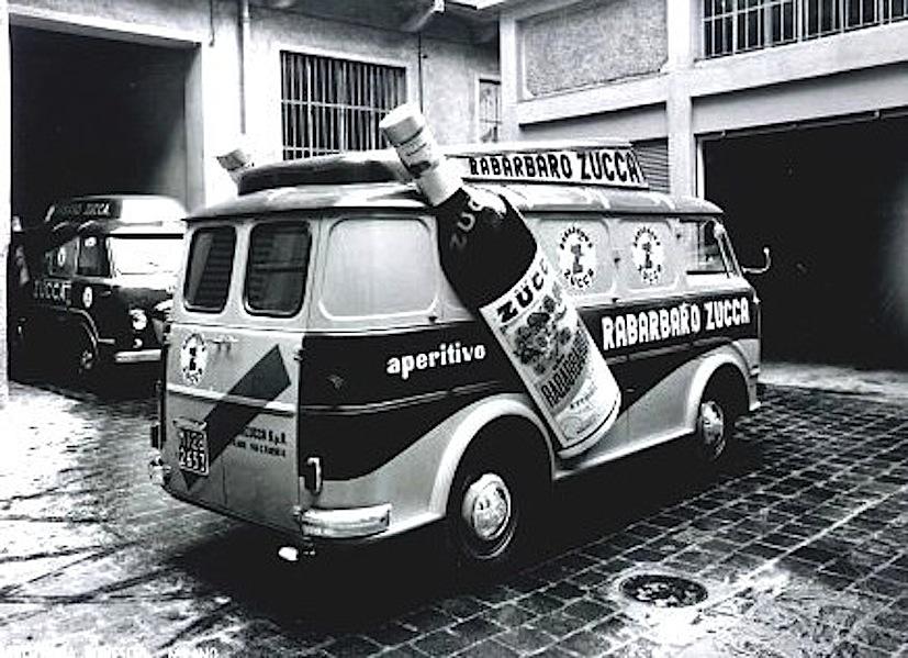 Mezzi pubblicitari italiani giro italia anni 50 anni 60 for Furgone anni 70 volkswagen
