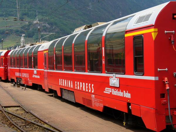 Bernina_express_Tirano-Panoramawagen