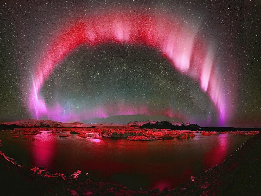 aurora-borealis-rossa