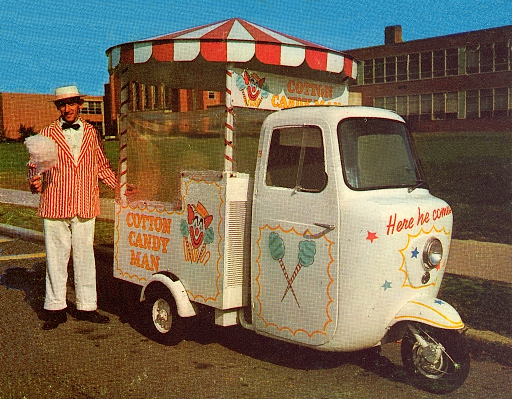Ape_piaggio_zucchero_filato_circo_vintage