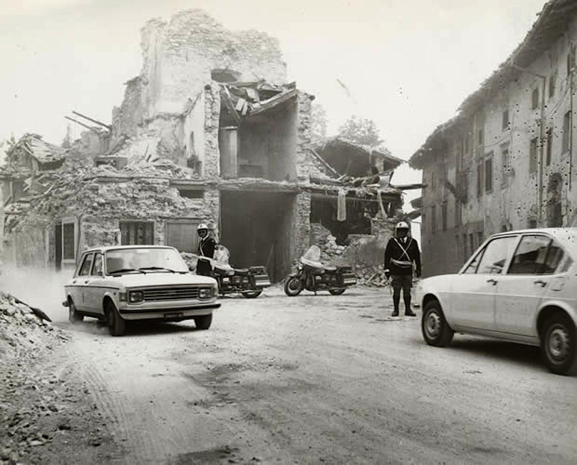 terremoto_fiuli_polizia_stradale_1976