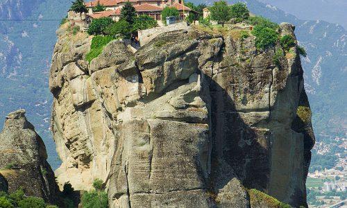Curiosità dal Mondo: MONASTERO AGHIA TRIADA – (Grecia)