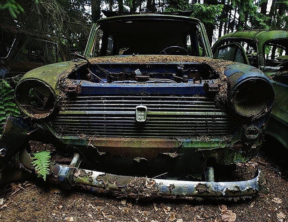 chatillon_cimitero_auto_epoca