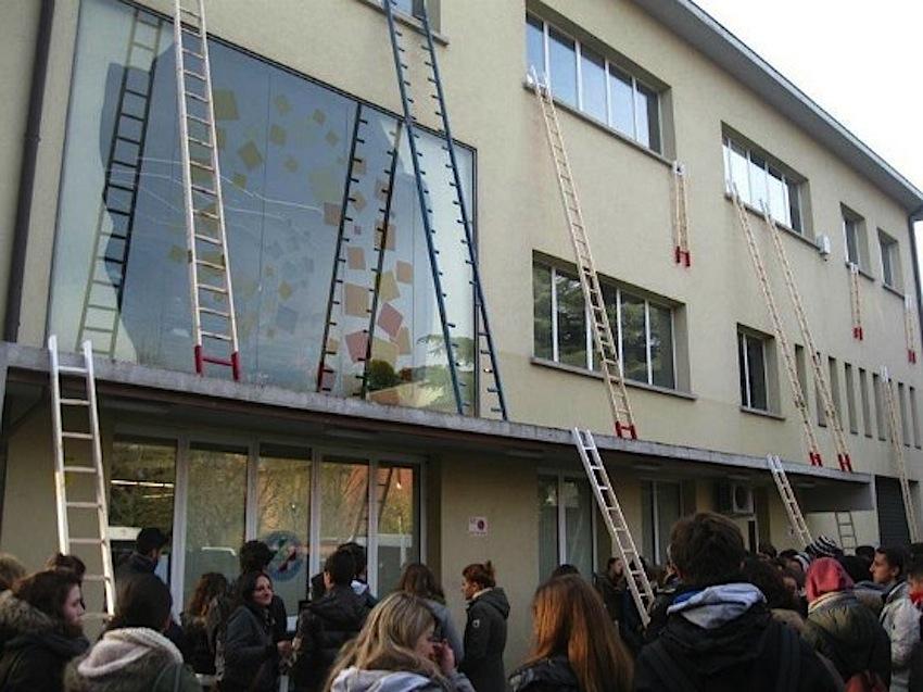Istituto Salvemini Strage In Classe 1990 Curiosita Video E Foto
