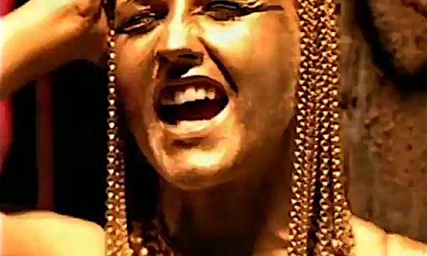Muore la giovane DOLORES O'RIORDAN mitica ne The Cranberries con ZOMBIE – (1994)