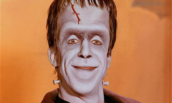 """Ricordi il """"Frankenstein """" della serie i MOSTRI anni 60′ ? Ecco chi era, COME ERA e COME E'"""